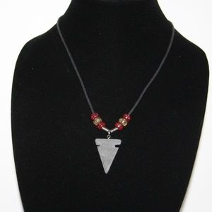 beautiful vintage style arrowhead necklace